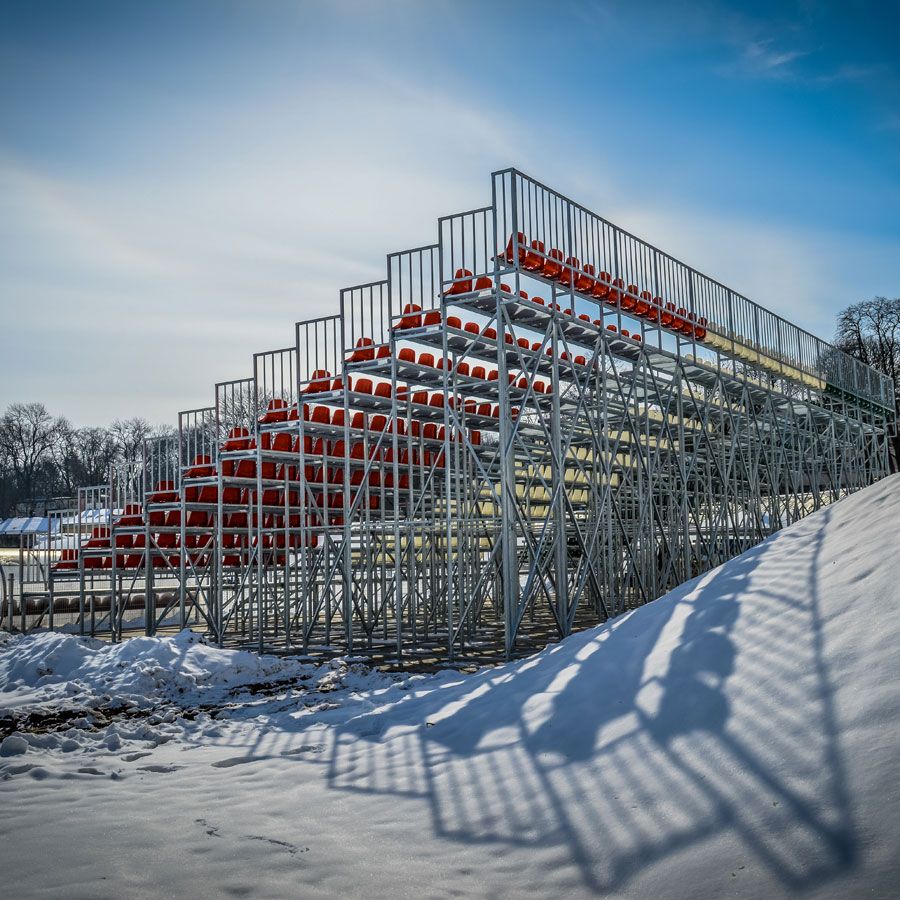 Stable tribune, landings made out of WEMA lattice