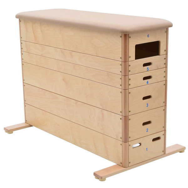 Vaulting box, straight sides, 6-parts natural cover with roller system.