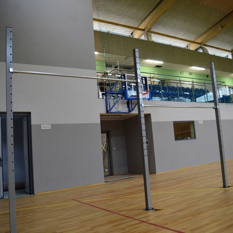 GYMNASTIC BAR - 2 EXERCISING  FIELDS