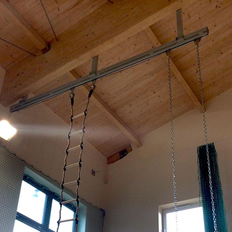 Szyna jezdna do zawieszania lin, drabin, kółek gimnastycznych 3m