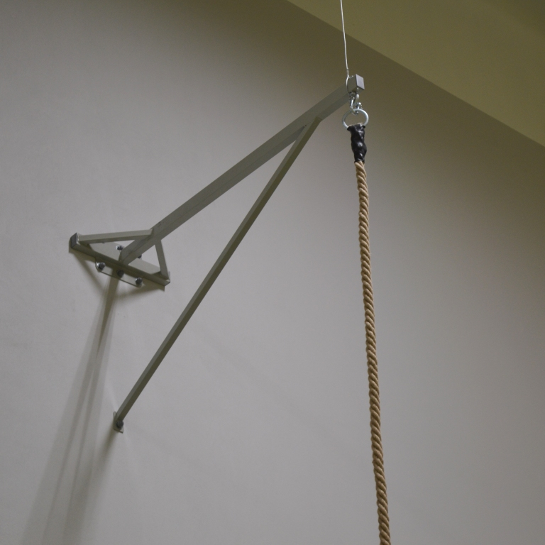 Wspornik ścienny do mocowania liny gimnastycznej