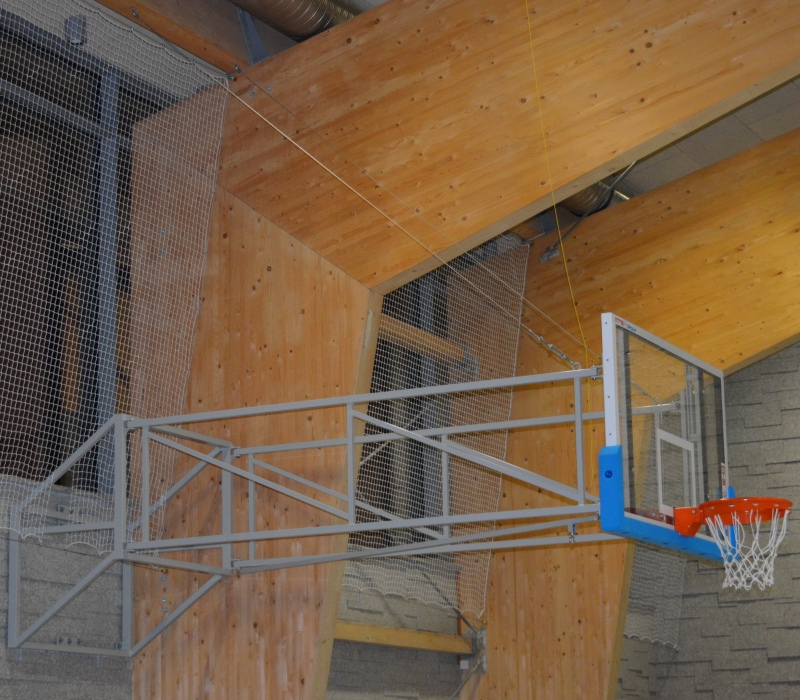 SUPPORTED TILTING BASKETBALL CONSTRUCTION 250-400 CM