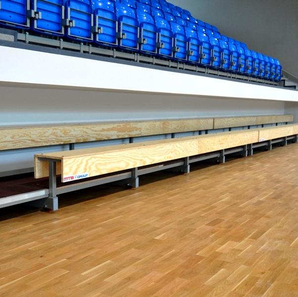 Stable tribune - bench type